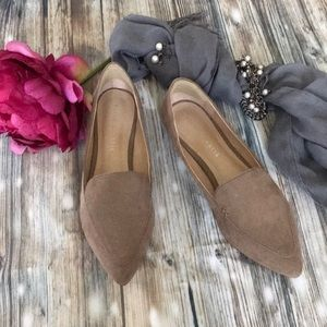 Kelly & Katie Taupe suede flats Sz 7